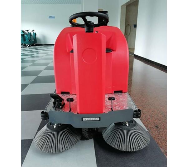 小型扫地机